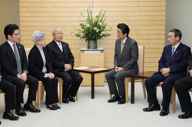 写真:面会する安倍総理3