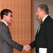 アミン国際再生可能エネルギー機関事務局長による河野外務大臣表敬1