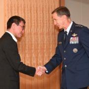 シュナイダー在日米軍兼第5空軍司令官による河野外務大臣表敬1