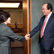 阿部外務副大臣とズン・ベトナム政府官房長官との会談1