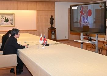 茂木外務大臣とトラス英国国際貿易大臣とのテレビ会談1
