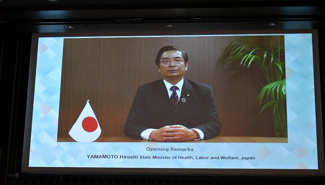 山本厚労副大臣の画像