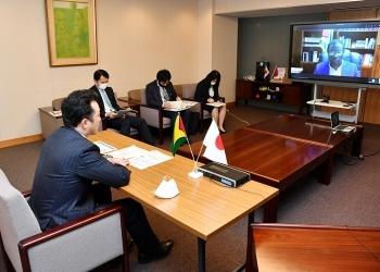 宇都外務副大臣とトッド・ガイアナ外務・国際協力大臣とのテレビ会談2