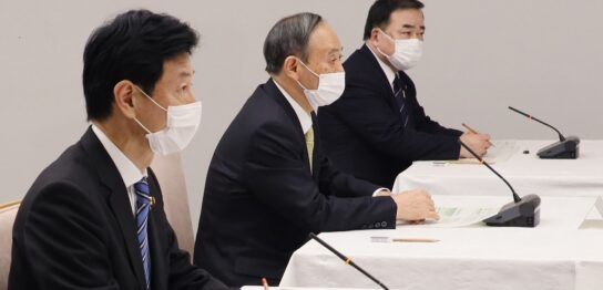 挨拶する菅総理1
