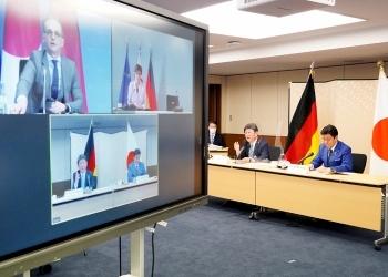 日独外務・防衛閣僚会合(「2+2」)の様子(オンライン会議の画面)