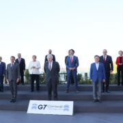 G7及び招待国首脳との集合写真撮影1